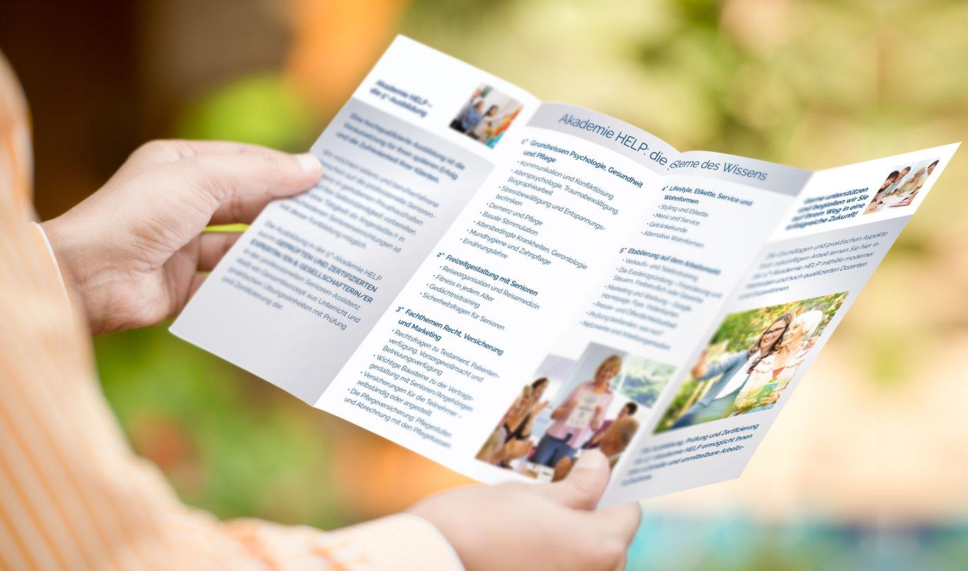 Akademie HELP – die Seniorenassistenten-Ausbildung: unser Prospekt für Sie
